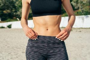 これだけでOK!お腹をキュッと引き締めるトレーニング5選!